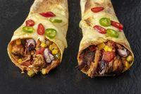 Übersicht über Enchiladas auf Schiefer