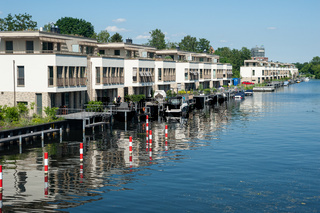 Berlin, Deutschland, Exklusive Apartments am Wasser auf der Humboldtinsel in Tegel