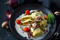 Gemüsemaultaschen mit Champignonrahmsoße