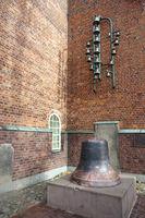 evangelische Dreikönigskirche - Glockenspiel und alte Glocke