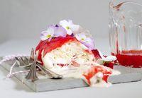 Vanille- Erdbeer- Eisrolle