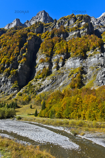 Herbst im Kar Cirque du Fer a Cheval, Sixt-Fer-a-Cheval, Giffre Tal, Haute-Savoie, Frankreich