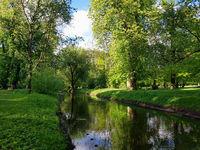 Die Panke im Schlosspark in Pankow im Norden von Berlin