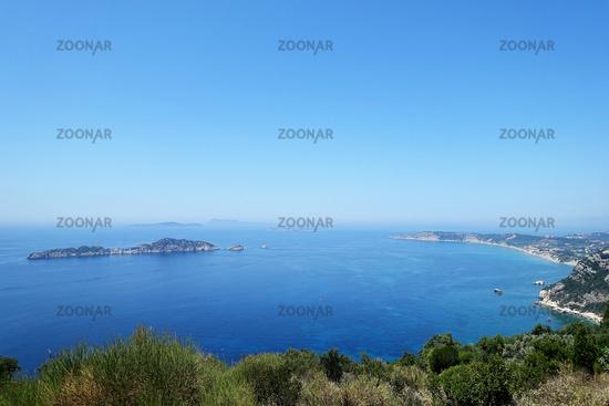 Aussicht von Afionas Richtung Dracheninsel und Arillas, Korfu, Griechenland