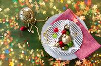 Festliches Gedeck zu Weihnachten