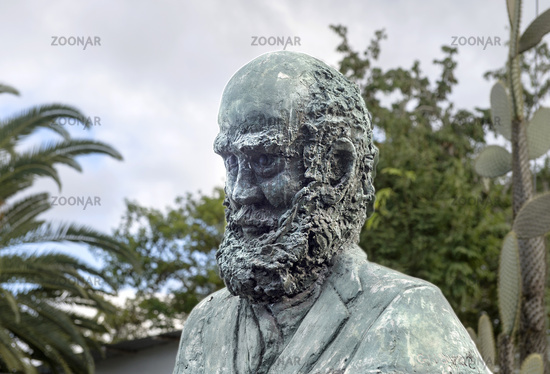 Charles Darwin Bronzebüste, Puerto Ayora, Insel Santa Cruz, Galapagos Inseln, Ecuador