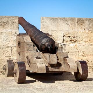 alte aus dem Mittelalter stammende Kanone