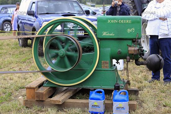 John Deere Waterloo Boy K Stationary Engine Running