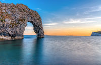 Die Durdle Door an der Jurassic Coast in Dorset