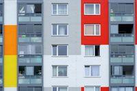 Fenster mehrstöckiges Wohngebäude