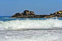 Wellengang an der Costa Vicentina Küste, Portugal
