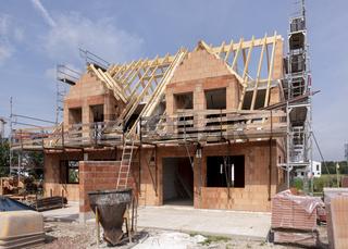 Neubau und Rohbau von einem Wohnhaus