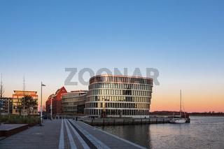 Blick auf die Silohalbinsel in Rostock