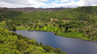 Panorama am Loch Tummel in Schottland