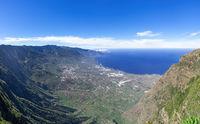 Blick über das El Golfo Tal auf der Insel El Hierro