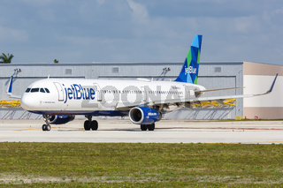 JetBlue Airbus A321 airplane Fort Lauderdale airport
