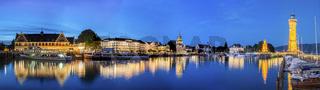 Lindauer Promenade mit Hafeneinfahrt | Leuchtturm
