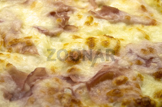 Pizza with cheese and prosciutto cotto