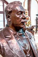 Büste von Alexandre Le Grand, dem Unternehmensgründer der Likördestillerie Bénédictine S.A.