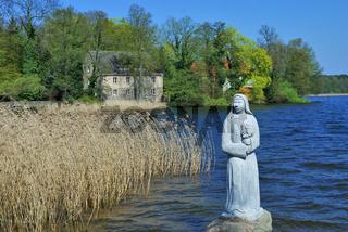 die Nonne am Wutzsee (Lindow Mark) in der Uckermark,Brandenburg,Deutschland