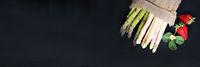 Spargel, grün und weiß, Erdbeeren, auf Schiefer, Banner, Header, Headline, Panorama, Textraum