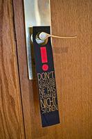 Nicht stören Schild an einer Tür