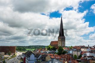 Blick auf die Petrikirche in der Hansestadt Rostock