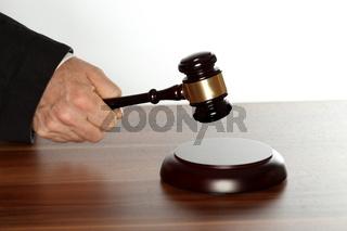 Gesetz und Recht