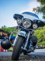 Motorrad mit Helm