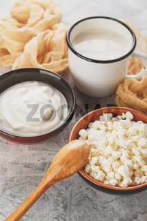 Granulated cottage cheese and sour cream