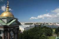 Blick von der Isaakskathedrale über St. Petersburg