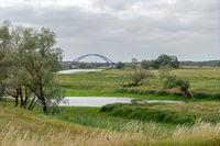 Autobrücke bei Dömitz über die Elbe