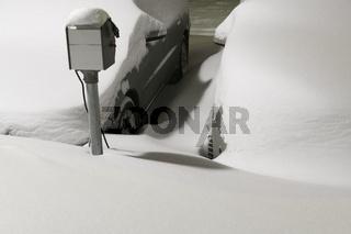 verschneite Autos, Gaellivare, Schweden