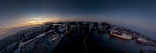 Großes sphärisches Panorama von Hamburg bei Sonnenuntergang
