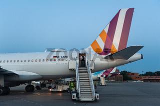 Berlin, Deutschland, Flugzeug von Germanwings auf dem Flughafen Berlin-Tegel