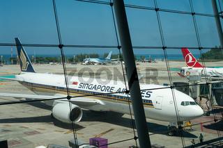 Phuket, Thailand, Boeing 777 Passagierflugzeug der Singapore Airlines auf dem Flughafen Phuket