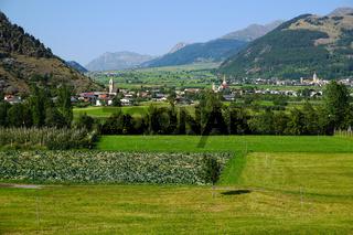 Laatsch und Mals im Vinschgau, Etschtal, Suedtirol, Italien