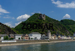 View from the german village St. Goarhausen with castle called Katz