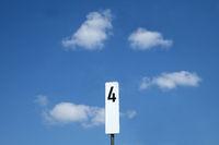 Schifffahrtszeichen, Zahl 4