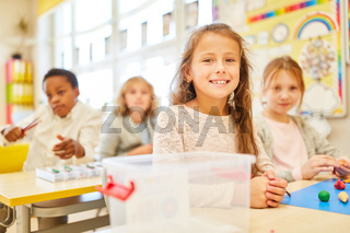 Kinder im Unterricht in der Vorschule