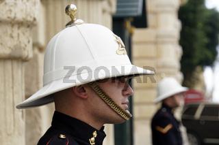Wache vor dem Grossmeisterpalast am St. George's Platz